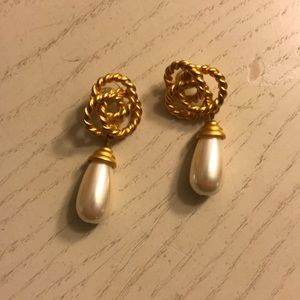 Jewelry - Pearl and Gold Knot Earrings